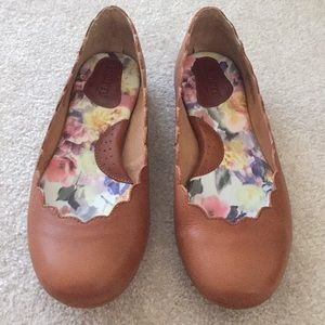 Born Shoes Brown Allie Learher Flat